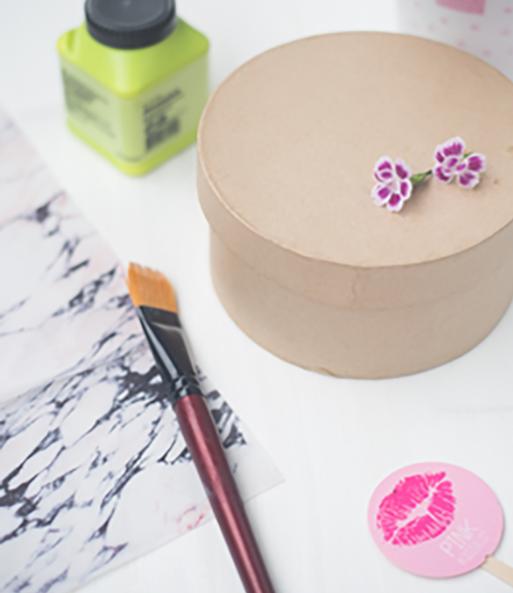 """Material für das Pink Kisses DIY """"Geschenkkorb für die beste Freundin"""""""
